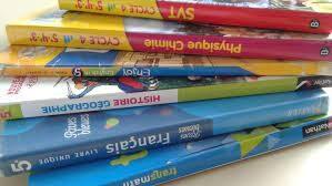 image manuels scolaires.jpg